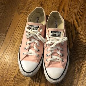 Great Condition Pink Converse (Low Top Chucks)